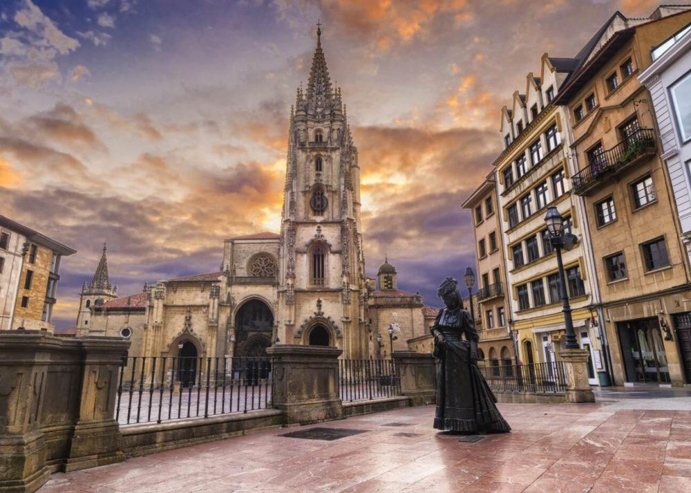 Visita Oviedo con tu perro con estos hoteles para mascotas