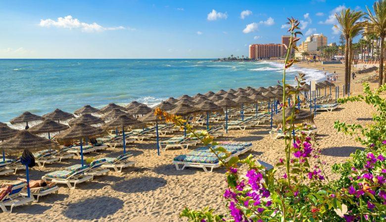 Los mejores hoteles de Benalmádena para ir con perros estas vacaciones y poder disfrutar de la playa con tu mascota