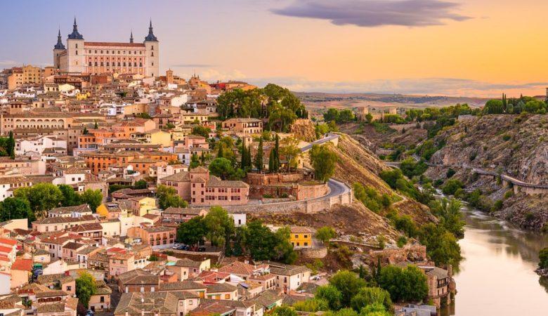 Hoteles que admiten mascotas en la ciudad de Toledo ideales para descubrir la ciudad y hacer turismo con tu perro